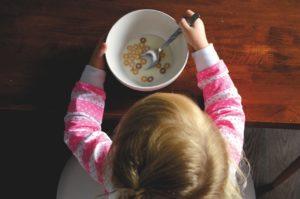 Samodzielność dziecka a samodzielne jedzenie