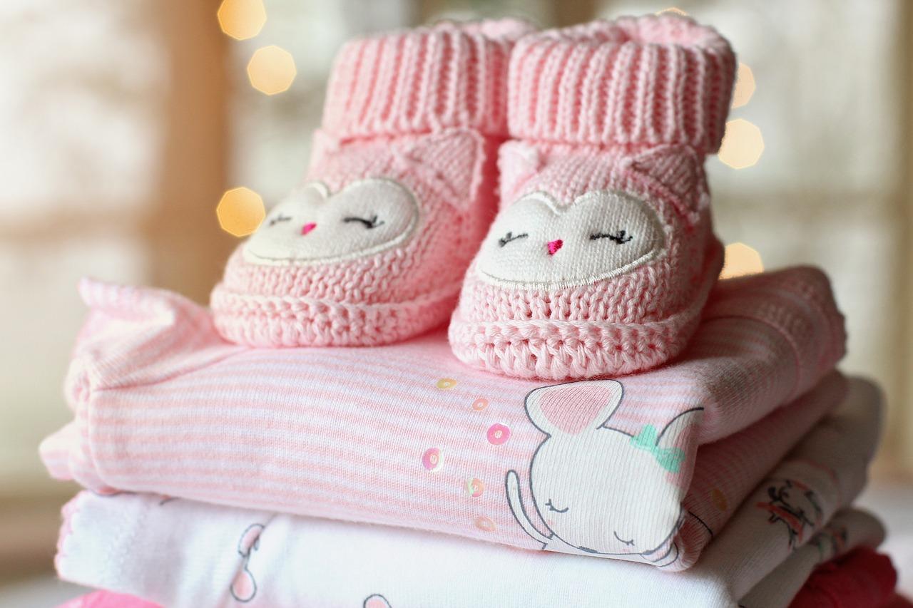 Wyprawka dla niemowlaka – co powinna zawierać?